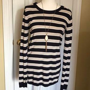 Treasure& Bond Sweater size Small